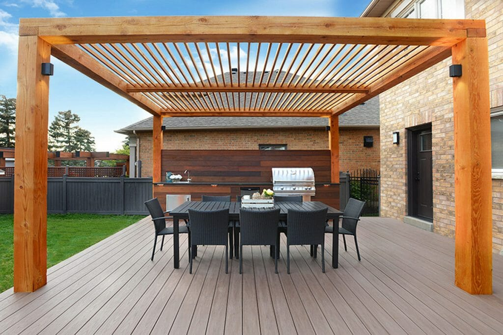 Toronto Landscaping Company, Decking & Woodworking Project; M.E Contracting.