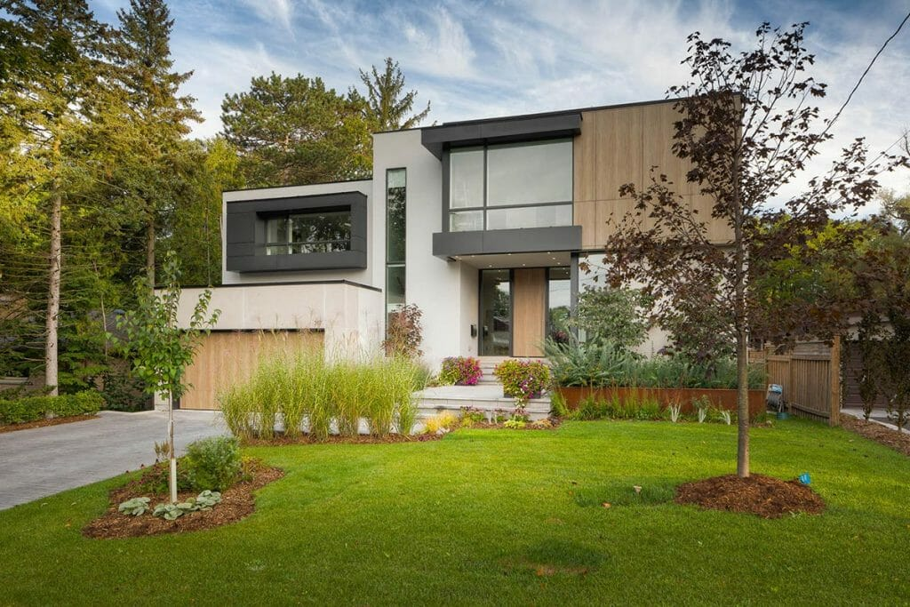 Modern Toronto Landscape Design & Interlocking Project; M.E. Contracting.