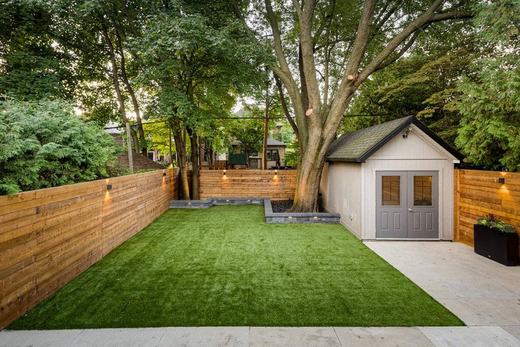 Hillhurst Toronto Landscape Design with Small Retaining Wall, Privacy Fence & Interlocking