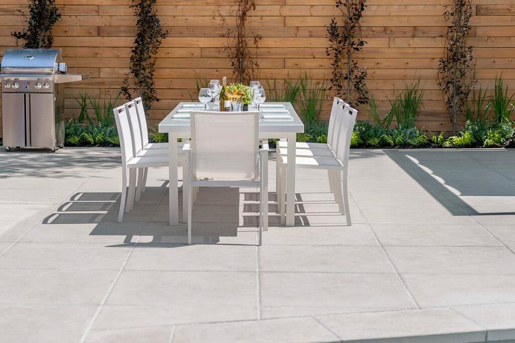 Outdoor Kitchen Feature by Toronto Landscaping Company, Abu Residence