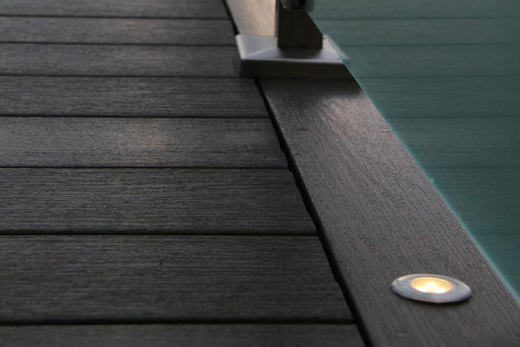PVC Decking Project by The Toronto Decking Company; M.E. Contracting.