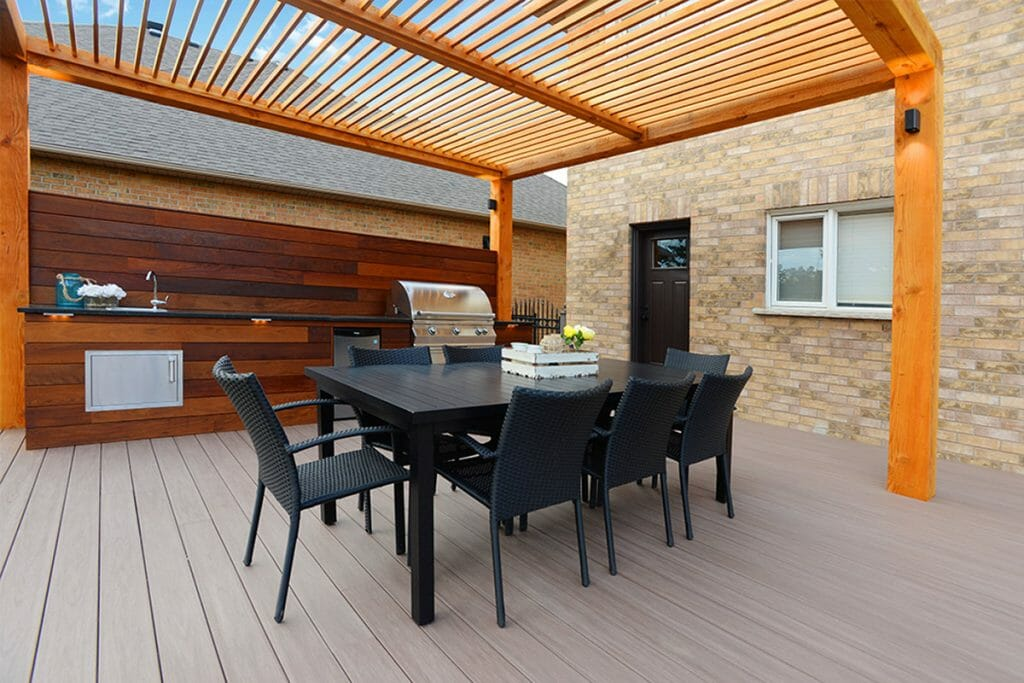 Toronto Landscaping Contractors, Patio Design, Decking & Woodworking Project; M.E. Contracting.