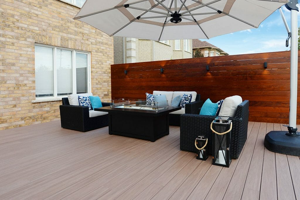 Toronto Decking & Woodworking Project by M.E. Contracting.