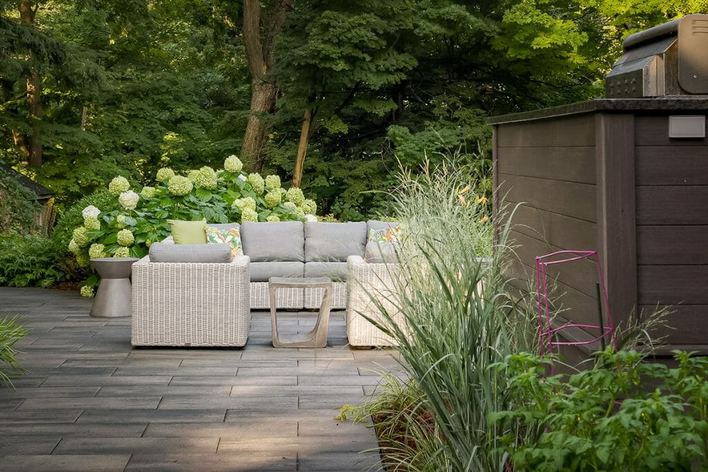 Toronto Landscape & Patio Design Project by M.E. Contracting; Featuring Interlocking, Outdoor Kitchen & Soft Scape