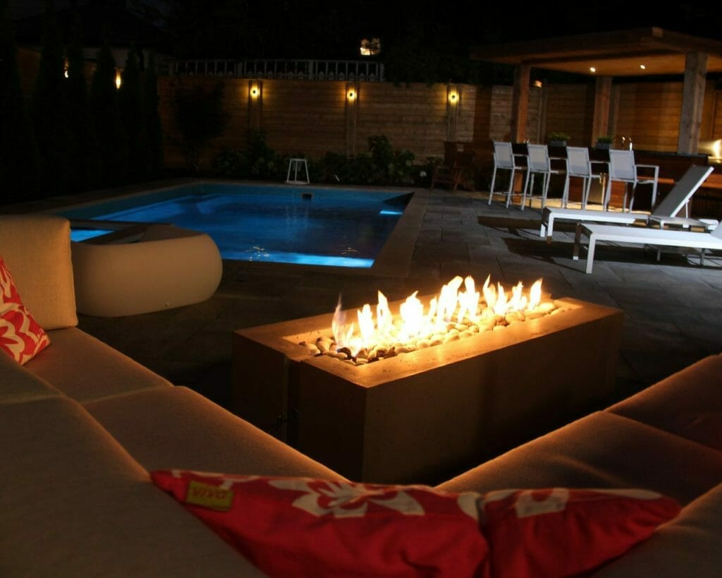 backyard landscaping ideas with fire pit